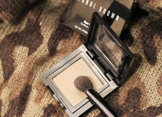 photo bobbi brown eye shadow kakhi 60