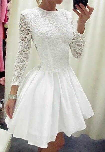 caa8a30bfdb9 EN ABSOLUT TOP 5 KLÄNNING, ELLER VAD TYCKER DU? Självklart kan vi sy  klänningen hellång också om ni önskar det… så ljuvligt vacker!