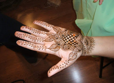 Putting Mehndi On Hands Games : Beautiful eid collection for girls best mehndi designs