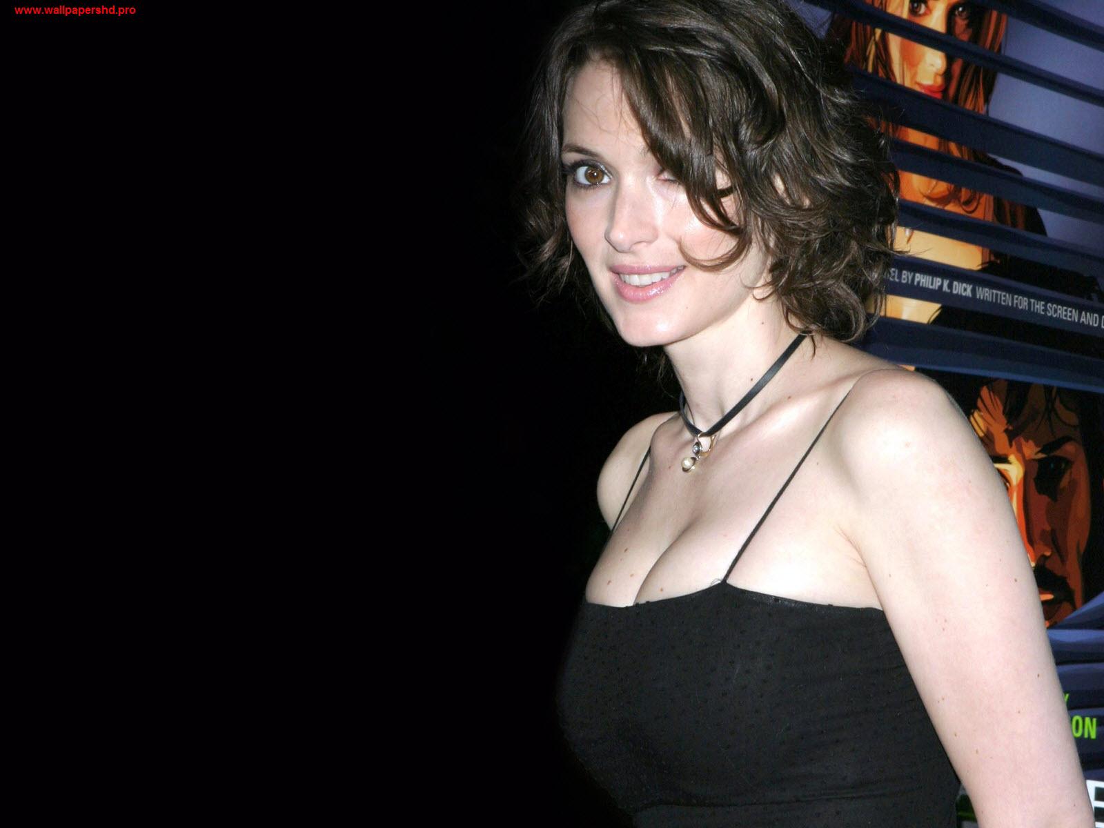 http://3.bp.blogspot.com/-iccEZYJGA0w/UOBy8O5ZTDI/AAAAAAAAV38/I4im6OvK5fQ/s1600/winona+ryder+(8).jpg