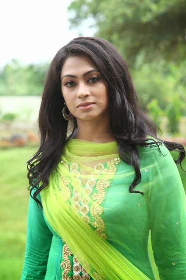 Bangladeshi Film Actress Popy Hot Photos And Sexy Poses