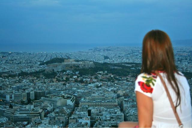 Monte Lycabettus en Atenas: vistas y la Acropolis