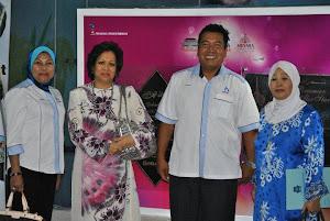 Bersama Datuk Seri Diraja Tunku Soraya