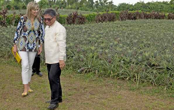 Queen Maxima visited A Pineapple Farm In The Philippines