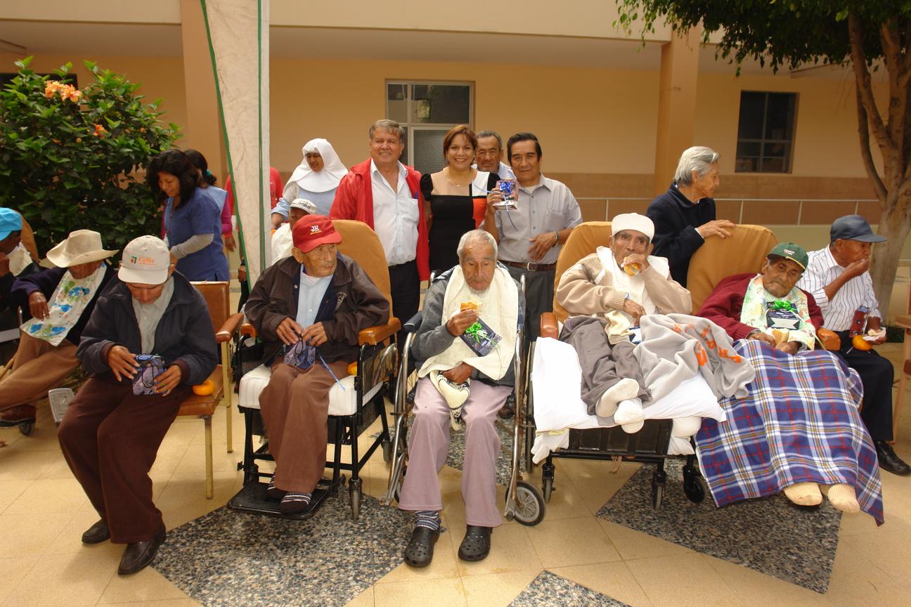 Monica sanchez minchola personas de la tercera edad for Asilos para ancianos