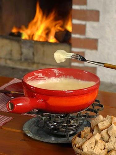 Peynirli fondü nasıl yapılır?