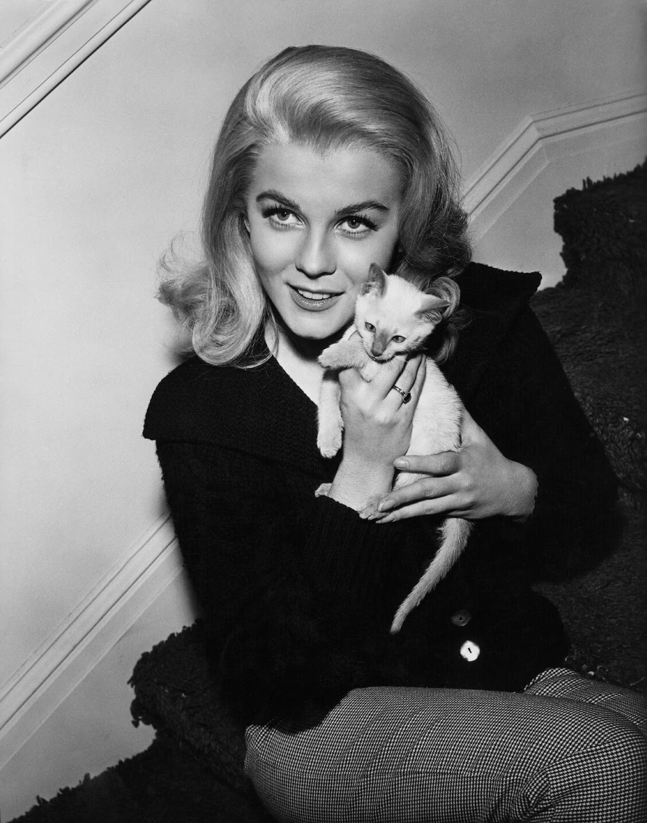 Ann margret submited images