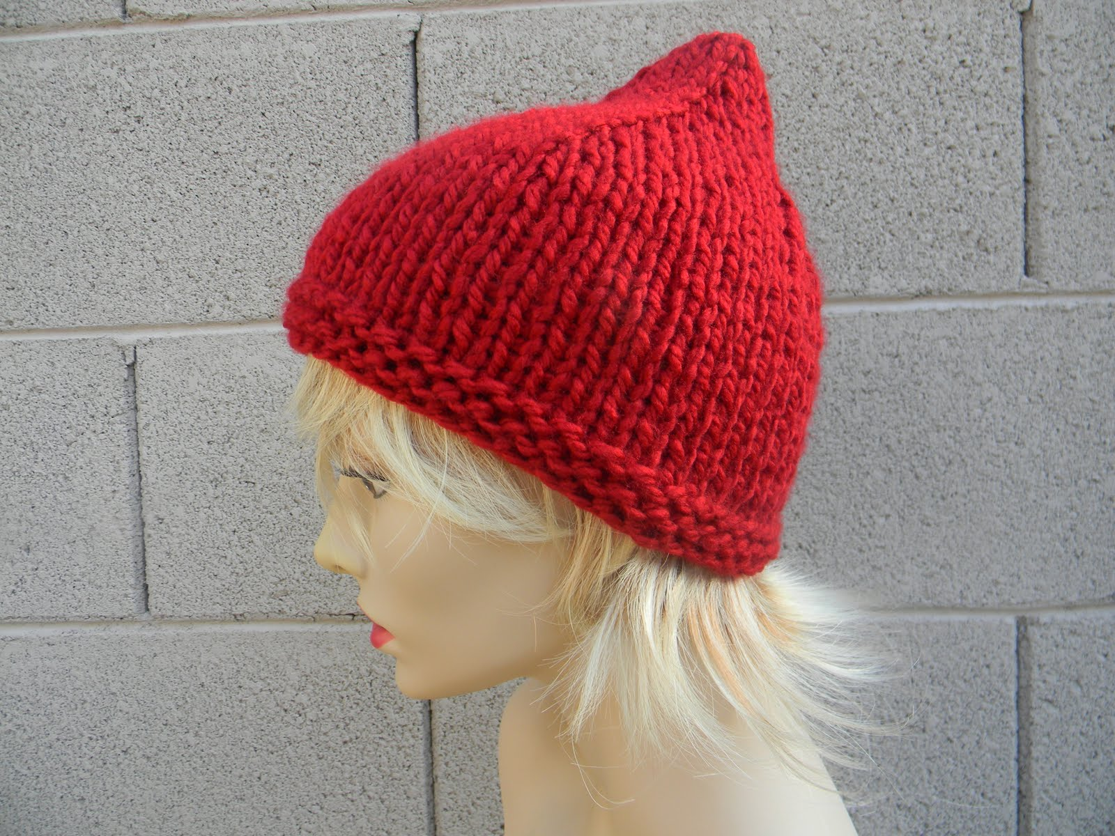 Easy Knit Hat Pattern With Circular Needles : Louise Knits: Easy pointy Pixie hat