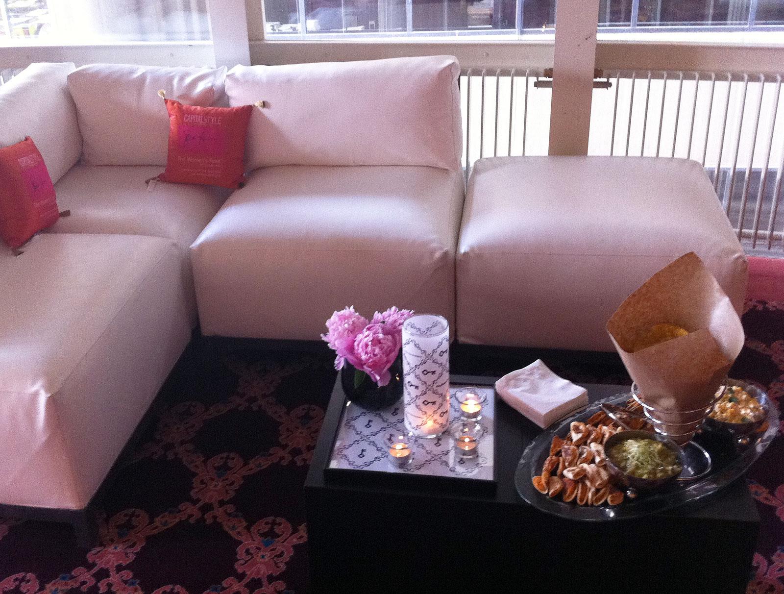 http://3.bp.blogspot.com/-idwkyjf9JWI/TdZ_7iNO7AI/AAAAAAAAAfk/ElV1bmDUR3U/s1600/seating_web.jpg