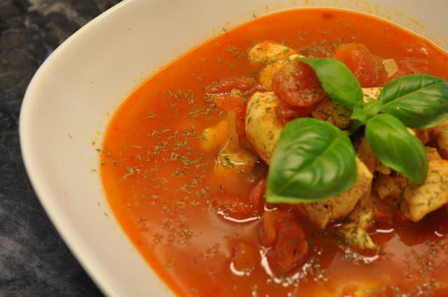 Kyllingsuppe med røde linser og Chili
