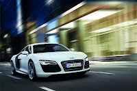 2013-audi-r8-facelift-white