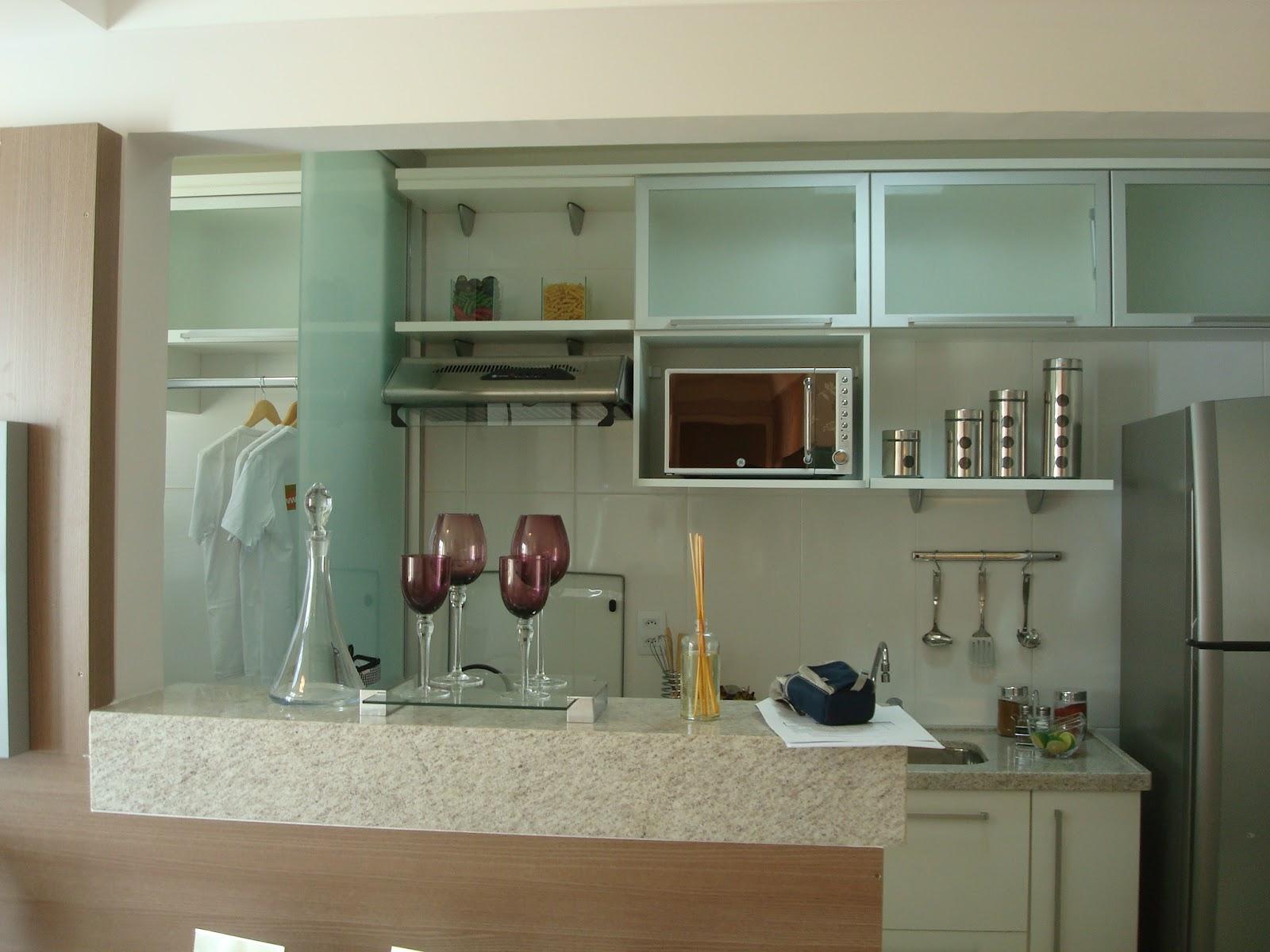 #654C34 vidro é uma ótima opção para fazer a divisão dos ambientes  1600x1200 px Qual A Altura Padrão Da Bancada De Uma Cozinha Americana #963 imagens