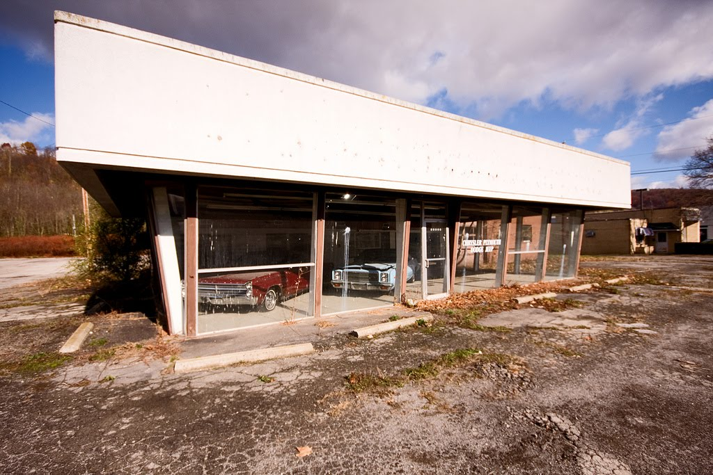 the abandoned classic chrysler dealership of ohio not content yet. Black Bedroom Furniture Sets. Home Design Ideas