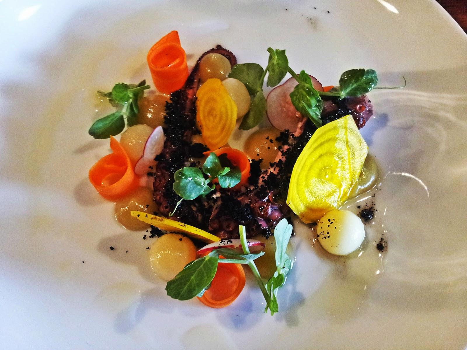El dadaista gastron mico restaurante artemis a le french Como se cocina el pulpo