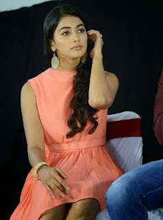 Actress Pooja Hegde Pictures in Short Dress at Oka Laila Kosam Prerelease Press Meet  7.jpg