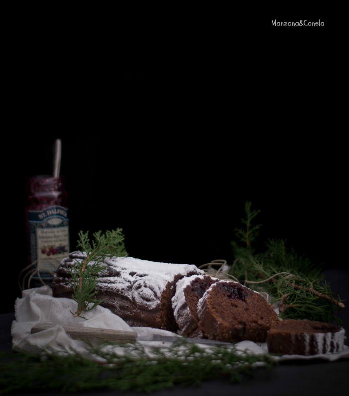 Tronco de Navidad de chocolate, almendra y arándanos