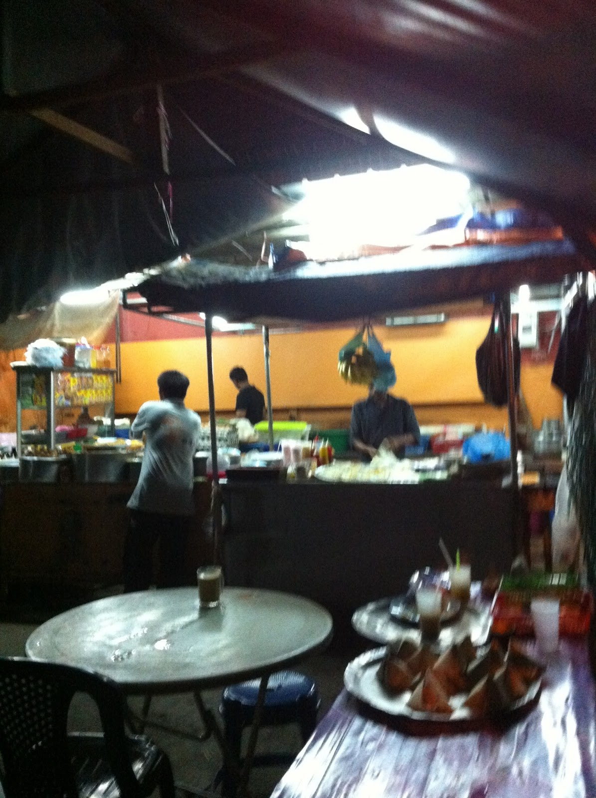 mamak stall A mamak stall, also referred to as mapley, is a food establishment which serves mamak food in malaysia, the term mamak refers to tamil muslims, who generally own and.