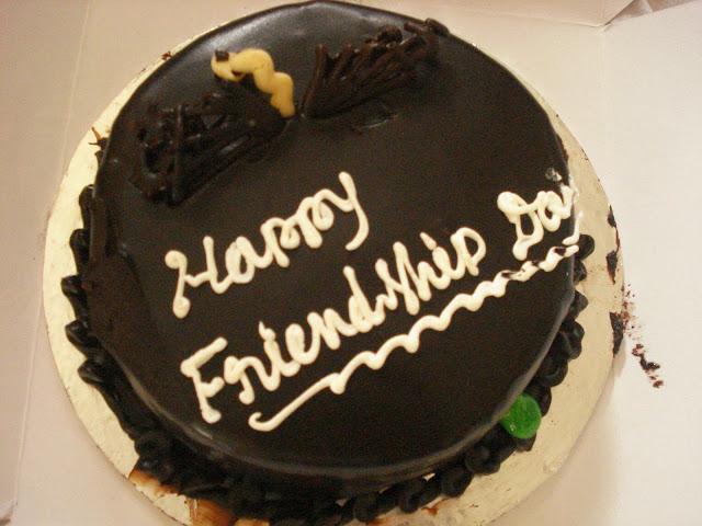 happy-friendship-day-chocolate-cake-image