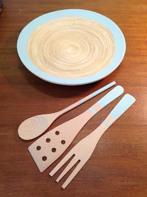 Pintar un plato y los cubiertos de madera con pintura ChalkPaint