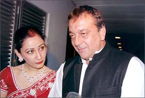 COMPLETED  Manyata may step in place of hubby Sanjay Dutt to promote 'Policegiri'  &#3402;&#3392;&#3405; &#3391;&#3391;&#3393;&#3398; &#3405;&#3390;&#3405;&#3391;&#3405; &#3405;&#3405; &#3405;&#3391;&#3405;&#8205;&#3398; &#3390;&#3405; &#3330;&#3405;&#3391;&#3405;&#3393;&#3330;  &#3393;&#3330;&#3400;: &#3392;&#3405;&#3393;&#3330; &#3393;&#3405;&#3405; &#3394;&#3405;&#8205;&#3405;&#3392;&#3391;&#3405; &#3391;&#3391;&#3391;&#3405;&#8205; &#3405;&#3390; &#3403;&#3392;&#3405;&#3391;&#3391;&#3393;&#3398; &#3405;&#3390;&#3405;&#3391;&#3405; &#3405;&#3405; &#3405;&#3391;&#3405;&#8205;&#3398; &#3390;&#3405; &#3390;&#3405; &#3330;&#3405;&#3391;&#3405;&#3391;&#3399;&#3405;&#3393;&#3330;. &#3393;&#3330;&#3405;&#3391;&#3405; &#3405;&#3390;&#3391; &#3405;&#8205;&#3405;&#3405;&#8205; &#3405;&#3393;&#3405;&#3390;&#3393;&#3330; &#3390;&#3405; &#3392;&#3393;&#3390;&#3330; &#3391;&#3405;&#3391;&#3405;&#3398;&#3405;&#3393;&#3330; &#3391;&#3405;&#8205;&#3390;&#3390;&#3405; &#3391;.&#3391; &#3405;&#8205;&#3390;&#3405;&#8205; &#3390;&#3405;&#8205;&#3405;&#3390;&#3405;&#8205;&#3391;&#3403;&#3405; &#3405;&#3393;. &#3391;&#3405;&#3405;&#3391;&#3405;&#8205;&#3398; &#3405;&#3390;&#3330; &#3330;&#3405;&#3391;&#3405;&#3405; &#3393;&#3398; &#3405;&#3393;&#3330; &#3330;&#3390;&#3391;&#3405;&#3391;&#3405;&#3391;&#3405;. &#3405;&#3405; &#3405;&#3393;&#3390;&#3391; &#3330;&#3390;&#3391;&#3405; &#3399;&#3399; &#3405;&#3390;&#3405;&#3405;&#3391;&#3405;&#8205; &#3390; &#3392;&#3393;&#3390;&#3398;&#3393;&#3405;&#3394;.  &#3393;&#3391;&#3403;&#3390; &#3391; &#3405;&#3391;&#3403;&#3398;  &#3393;&#3405; 16&#3405; &#3405;&#3405;&#3405;&#3405; &#3392;&#3405;&#3330;. &#3393;&#3330;&#3400; &#3405;&#3403; &#3405;&#3405; &#3393;&#3405;&#3405;&#8205; &#3400;&#3330; &#3398;&#3405;&#3398;&#3405; &#3393;&#3405;&#3405;&#3391;&#3405;  &#3392;&#3405;&#3403;&#3391; &#3405;&#8205;&#3391; &#3393; &#3405;&#8205;&#3330; &#3405; &#3405;&#3393;&#3405;&#8205;&#3390;&#3390;&#3405; &#3393;&#3405;&#3392;&#3330; &#3403;&#3391; &#3393;&#3405;&#3405;. 2003&#3405;&#8205; &#3393;&#3405;&#3391;&#3405;&#3391; &#3391;&#3405; &#3391;&#3405;&#3405; &#3391;&#3391; &#3390;&#3391;&#3393;&#3398; &#3392;&#3399;&#3405;&#3405; &#3405; &#3402;&#3392;&#3405; &#3391;&#3391;.   Mumbai: Producer T.P. Aggarwal, who recently wrapped up shooting for Sanjay Dutt starrer 'Policegiri', says the actor's wife Manyata &quot;may step in&quot; to promote the film, but clarified nothing has been &quot;finalised&quot; yet. &quot;We have not decided how to promote the film. Manyata may step in, but I can't confirm on that. I will have a meeting with Sanjay before we decide anything,&quot; Aggarwal told IANS.  Keyword: Sanjay Dutt, Police giri, Manyata, Promote the film