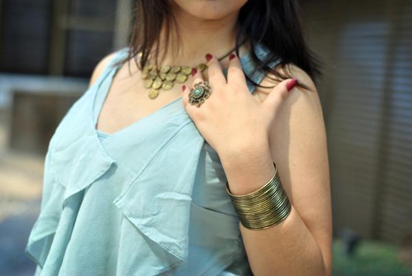 Look - acessórios - anel, colar e pulseira com banho ouro velho