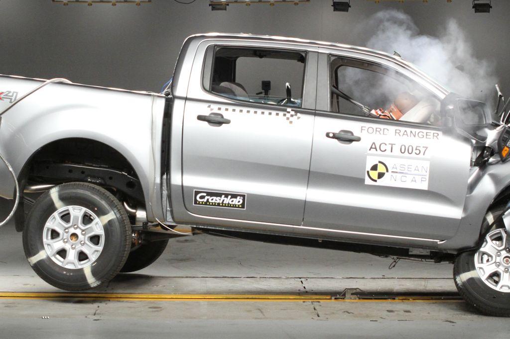 ford ranger receives highest crash safety rating from. Black Bedroom Furniture Sets. Home Design Ideas
