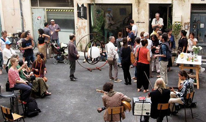 Atelier d'artistes et Galerie - 7 rue du Courtieu, 30000 Nîmes