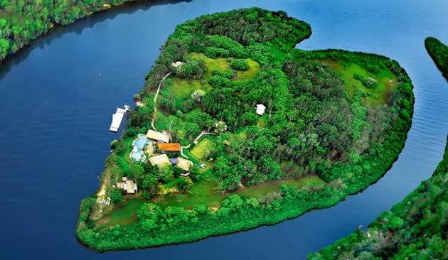 صور طبيعة جزيرة في وسط البحر