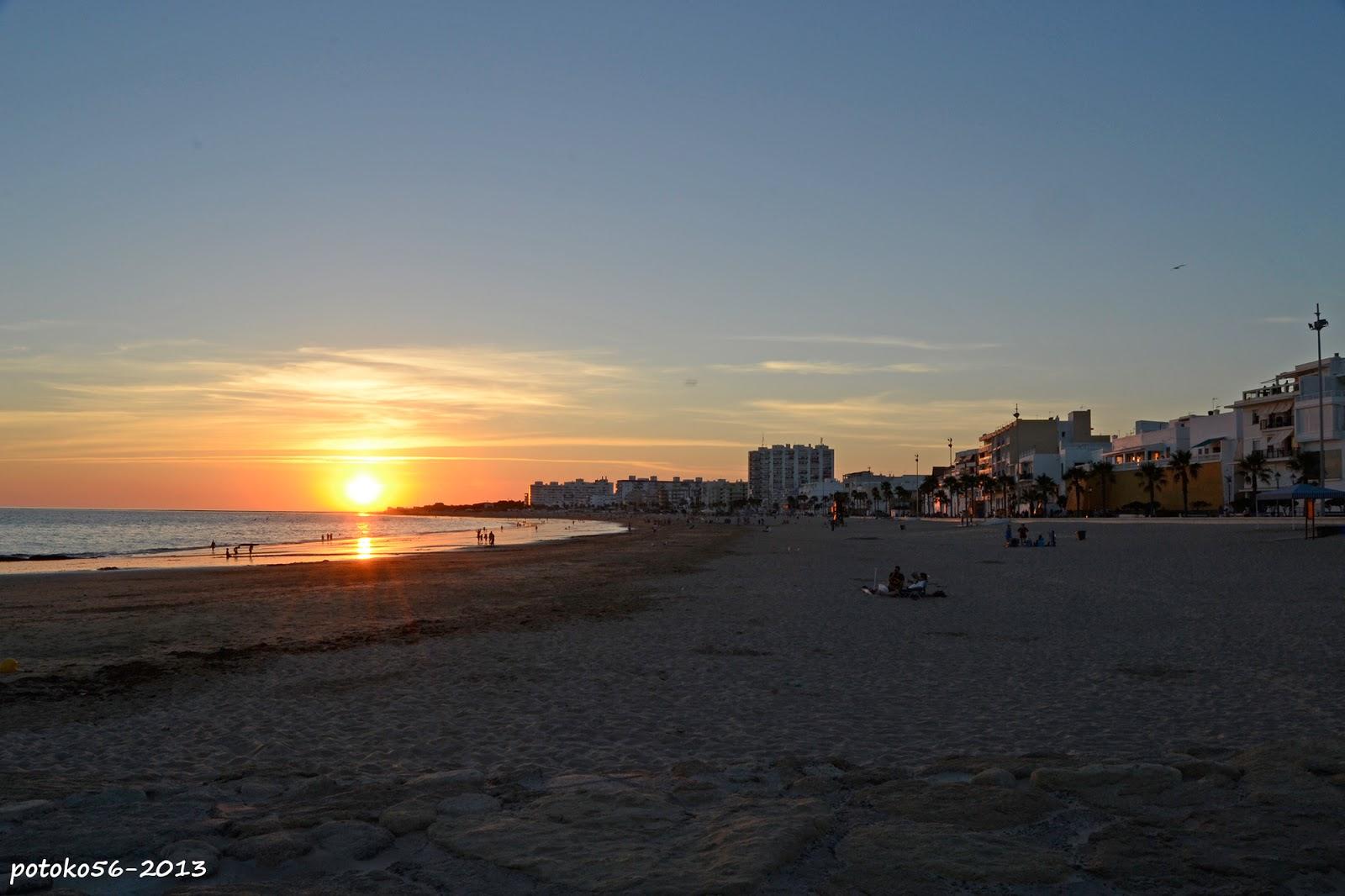 El Ocaso en la Playa de la Costilla Rota