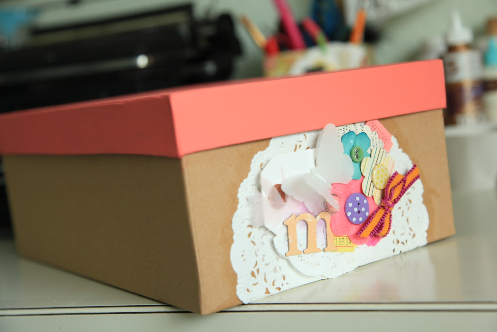 vintage pretty: {DIY} Turn a Shoe box into a Gift Box