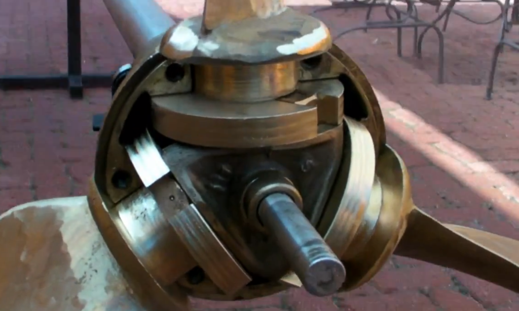 Controllable Pitch Propeller : Controllable pitch propeller system fails how to take ship