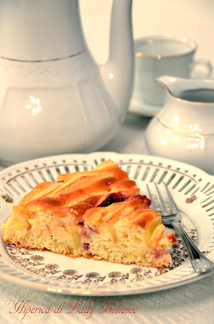 hiperica_lady_boheme_blog_di_cucina_ricette_gustose_facili_veloci_torta_di_ricotta_e_mele