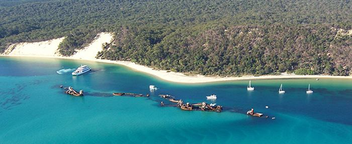 Moreton Island — Australia - A large sandy island, 36 km. length and area of 17,500 hectares, 35 km. from Brisbane. The island forms the eastern boundary of Moreton Bay Marine Park to the south-east Queensland. 98% of the island covers the National Park Moreton Islands National Park, which protects its unique vegetation, wildlife, freshwater lakes and springs and its magnificent coastal dunes.