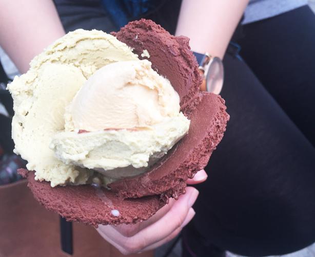 Amorino flower ice cream Mitte Berlin 2015