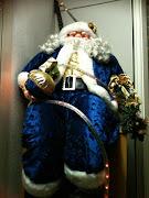 Foto divertenti: Foto babbo Natale vestito blu