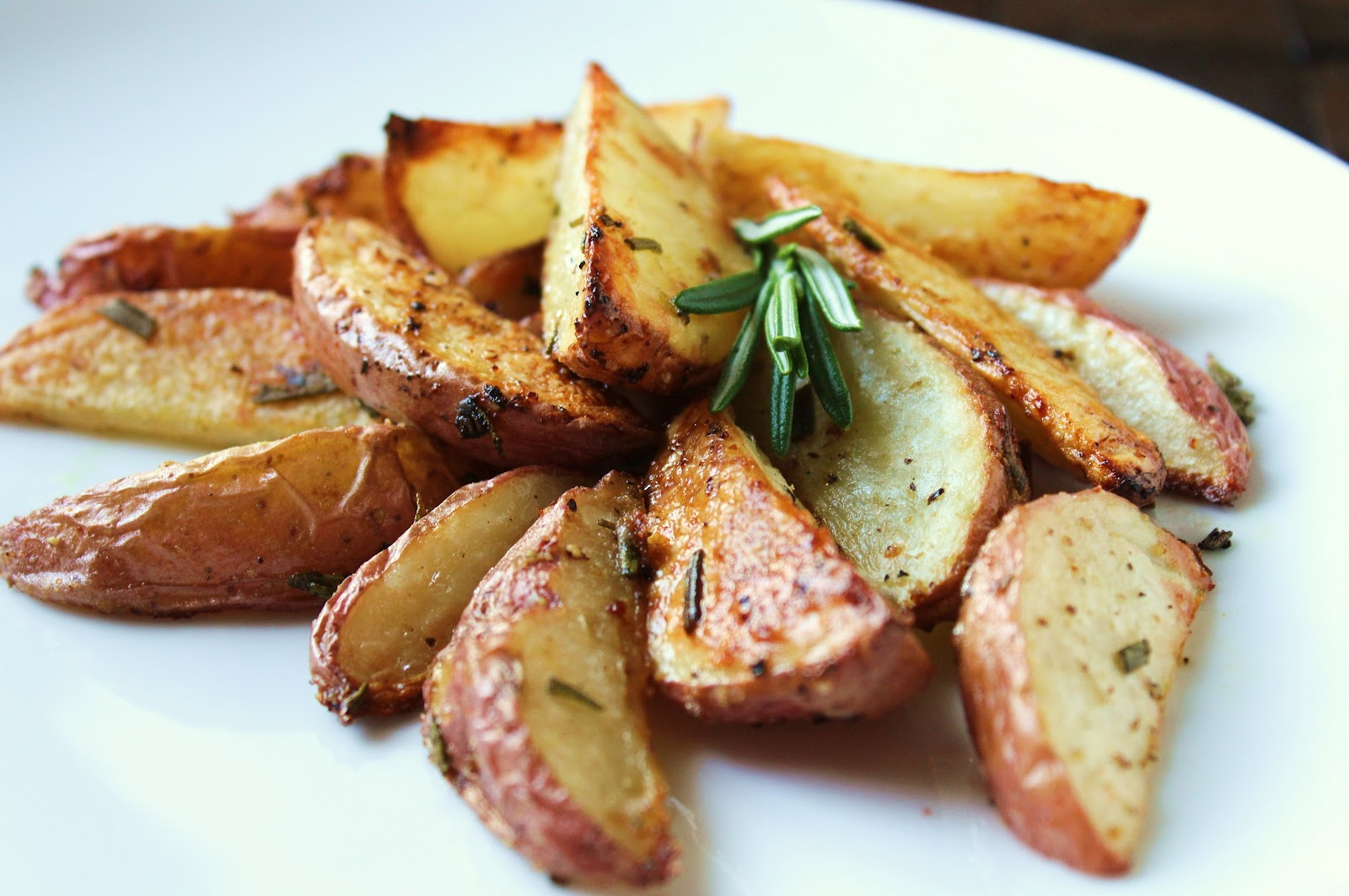 Delicious as it Looks: Roasted Rosemary Red Potatoes (Low ...