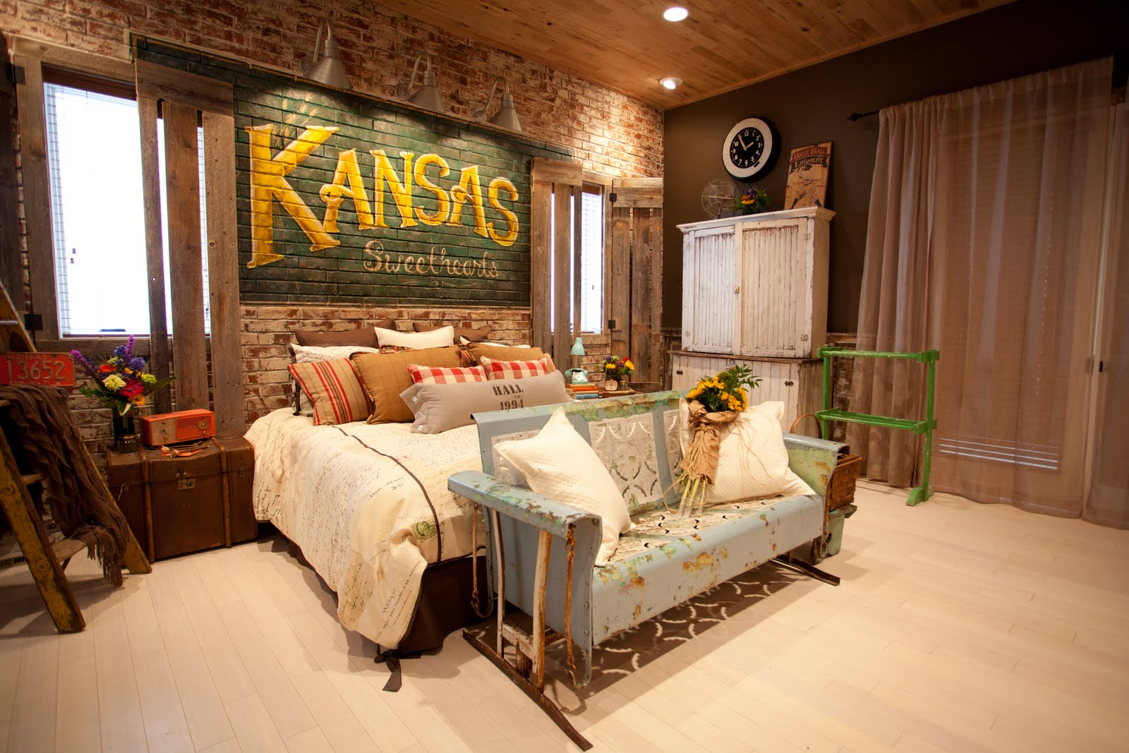 Imgs for extreme makeover home edition master bedrooms for Extreme makeover home edition bedroom ideas