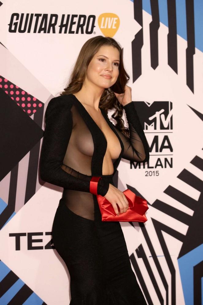 Tías de 25 a 34 años - Página 3 Amanda-Cerny%2B-2015-MTV-European-Music-Awards-04