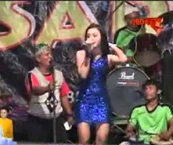 Aca Trisnawati dan orkes musik new sadewa waw