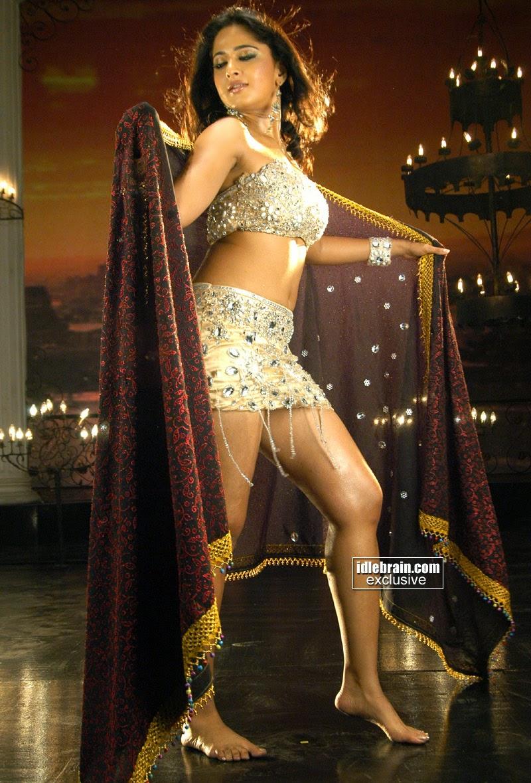 Anushka Shetty legs
