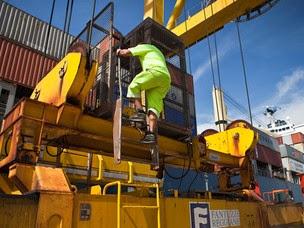 Lavoro nei porti: Assoporti propone un tavolo per l'emergenza