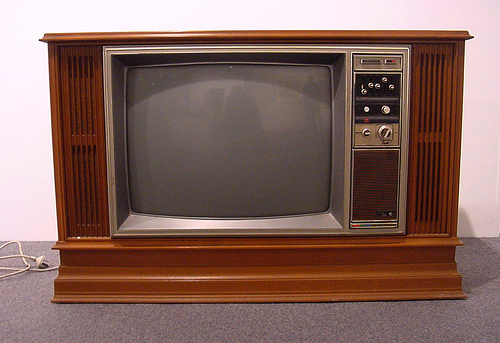 old+tv+set.jpg