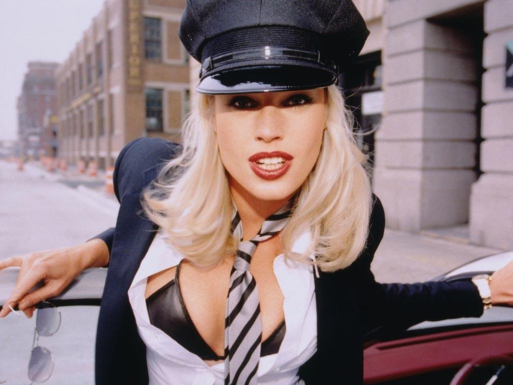 http://3.bp.blogspot.com/-ihbvkVAPl-M/T62JHuG3ksI/AAAAAAAAARo/zQUC4lkbR4g/s1600/Femme_Fatale_Rebecca_Romijn.jpg