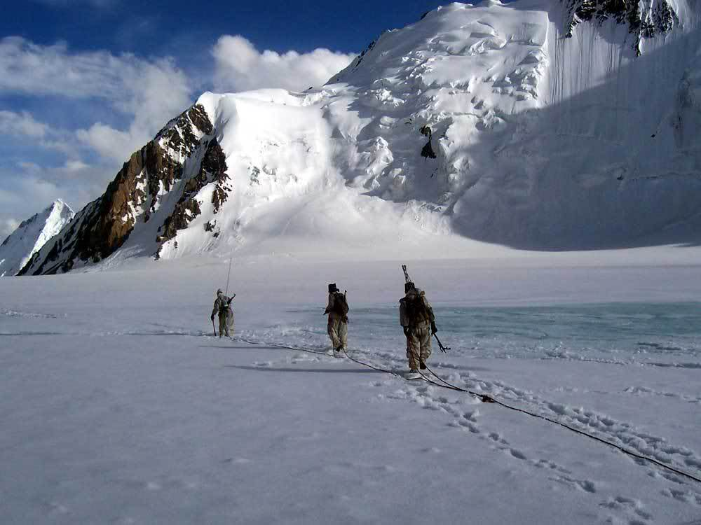 siachen glacier Time magazine: war at the top of the world in spite of the severe climate, the word `siachen` ironically means `the place of wild roses` the glacier is the highest battleground on earth, where india and pakistan have fought intermittently since 1984.