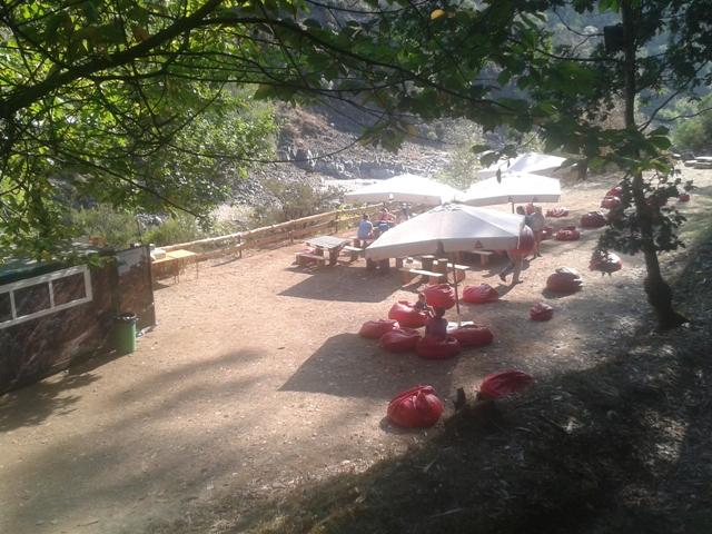 Bar da Praia Fluvial da Espiunca