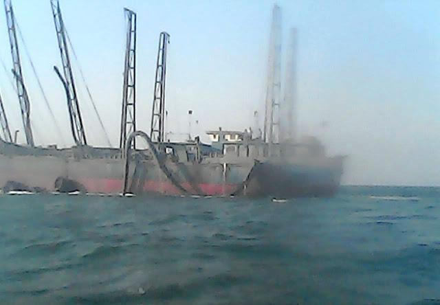 Nelayan Serang Usir Kapal Penghisap Pasir Laut