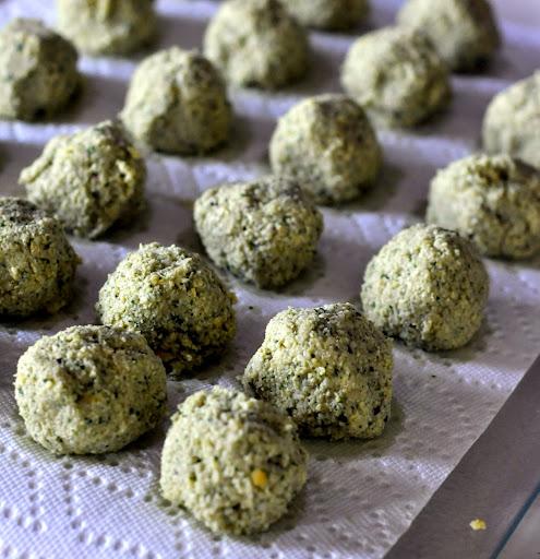 Homemade-Falafel-tasteasyougo.com