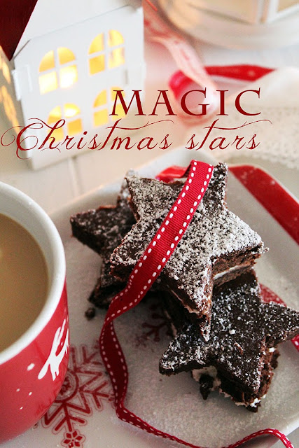 magic christmas stars: chocolate and tonka bean mini cakes with vanilla cream cheese