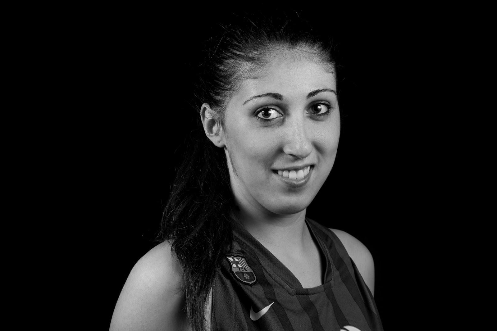 Laia 12 - CBS Barça Senior Femenino A - 2013 :: Canon EOS 5D MkIII | ISO100 | Canon 24-105 @45mm | f/11| 1/60s