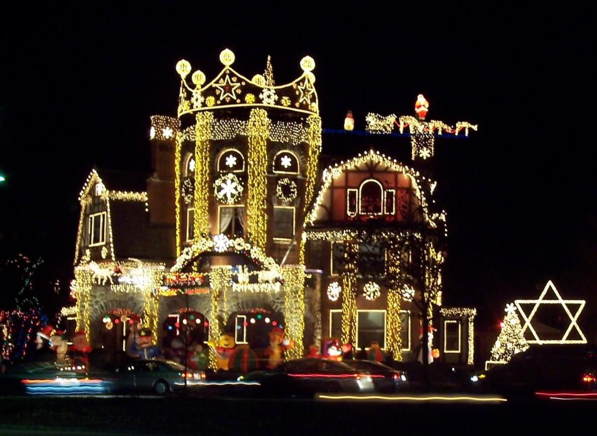 Life Around Us House With Christmas Lights
